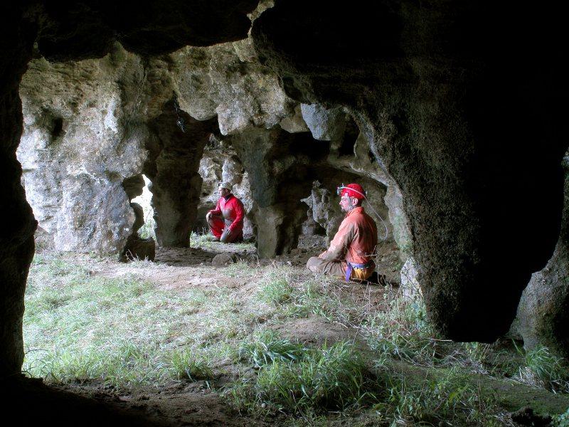 ESCURSIONE alla Grotta della Lamia