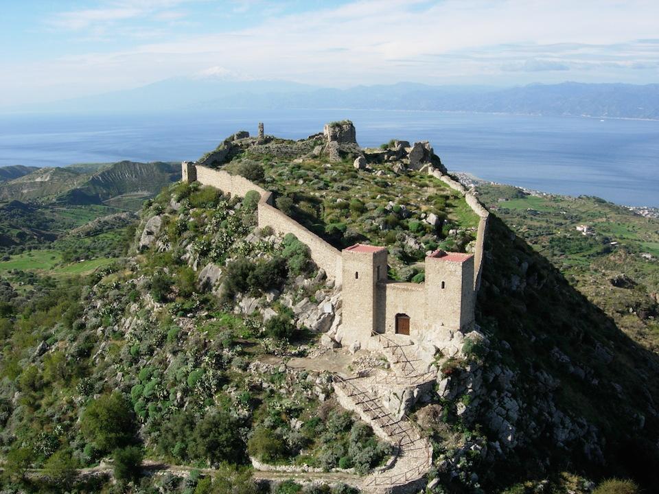 ESCURSIONE al Castello di S. Niceto