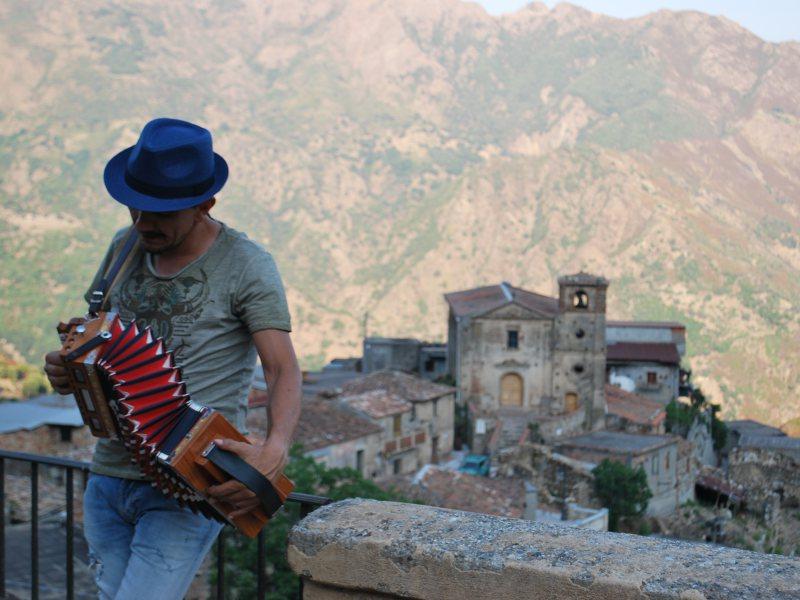Musica nella Calabria Greca