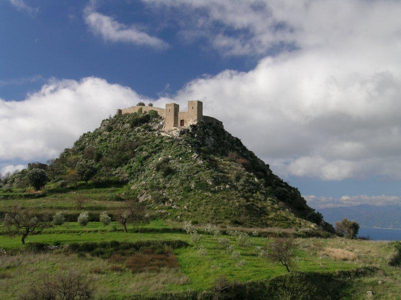 Chiesette lungo il sentiero del Castello S. Niceto