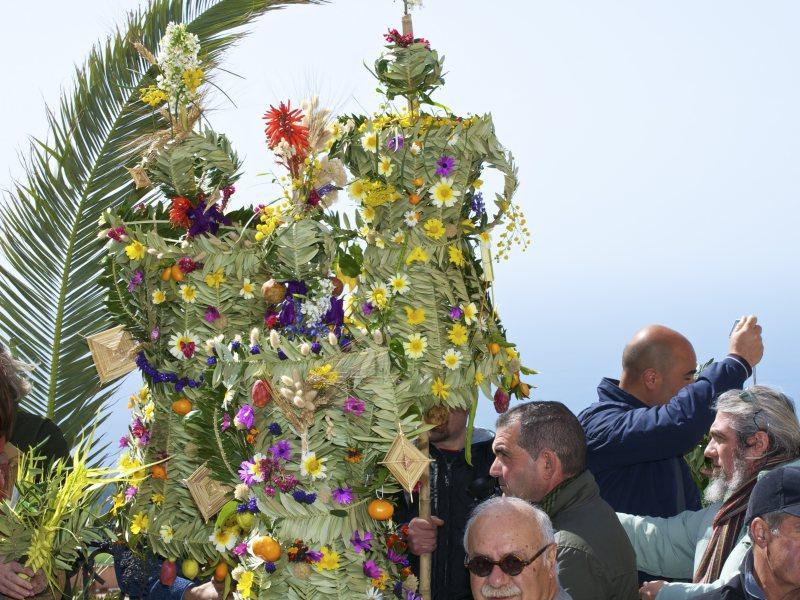Festa delle Pupazze di Bova – Domenica delle Palme