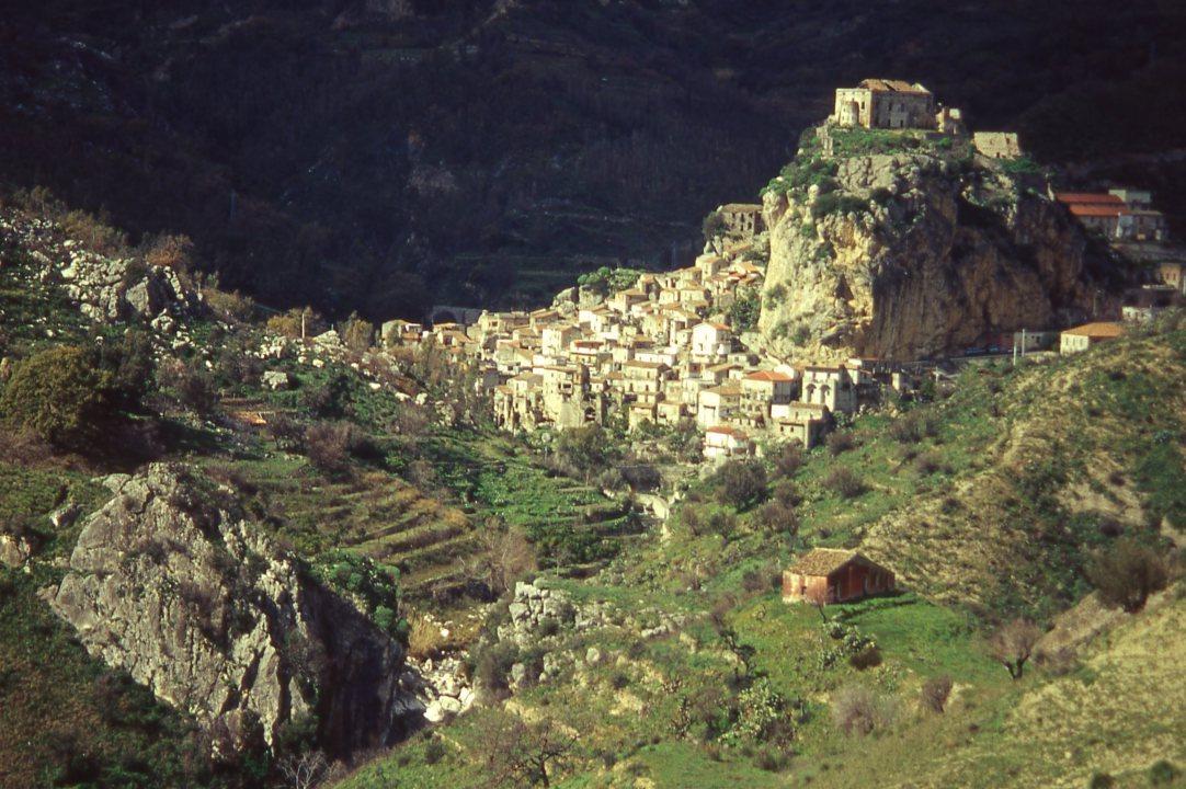 Borgo-Palizzi-1